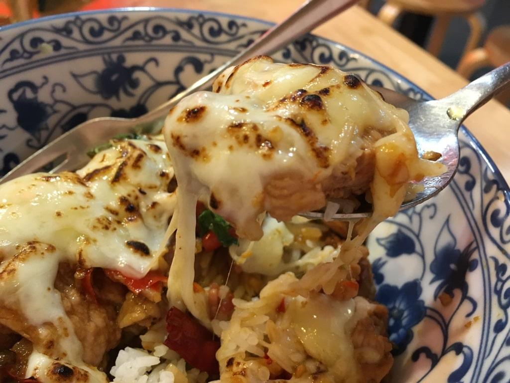 チーズ入りガパオライス実食