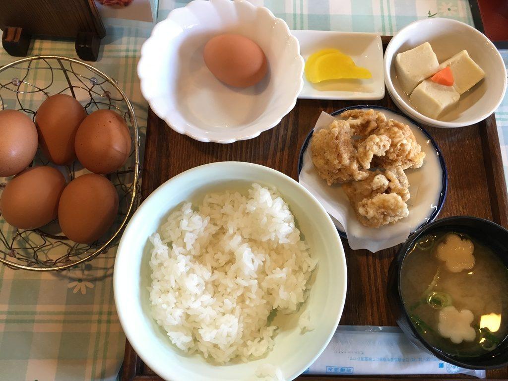 弁天の里:卵かけご飯定食-唐揚げつき