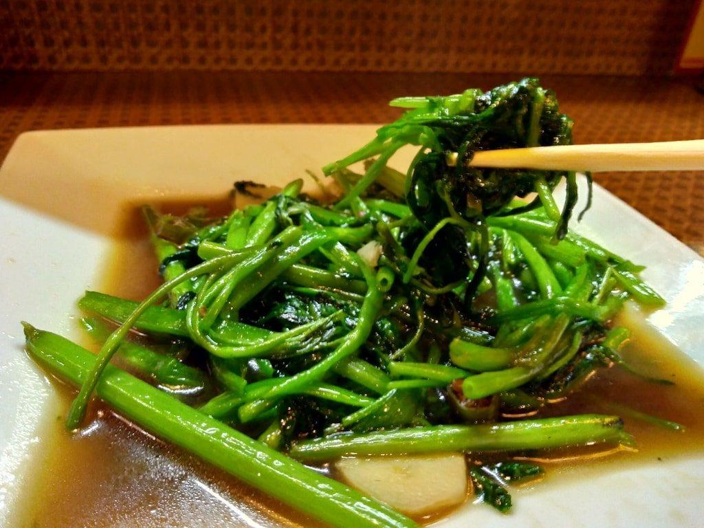 タイ食堂の空芯菜のオイスター炒め実食