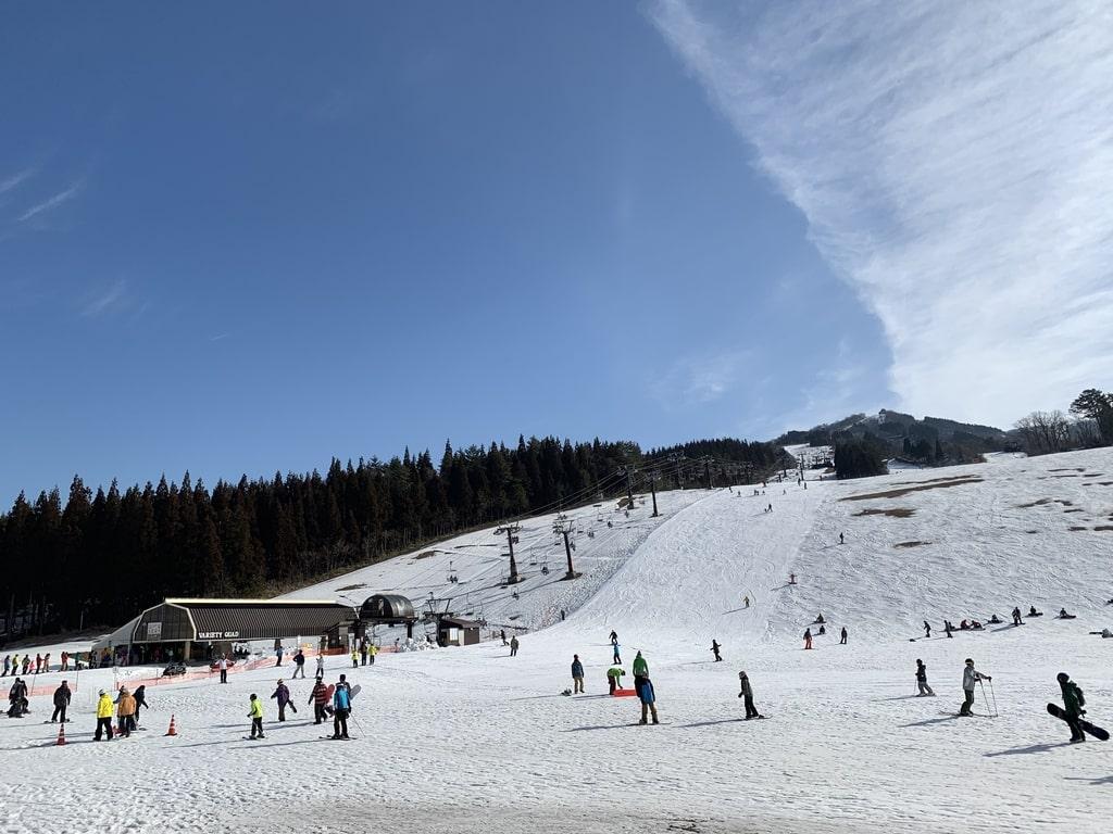 Selai ski lereng Katsuyama