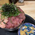 魚楽のマグロ二色丼