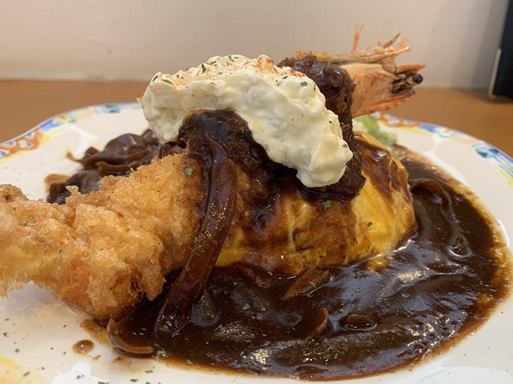 キッチン-ゴン-ザ・キューブの大海老オムハヤシライス