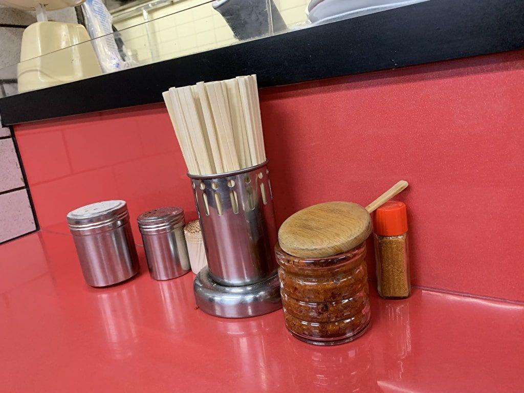 新福菜館-本店の辛子味噌