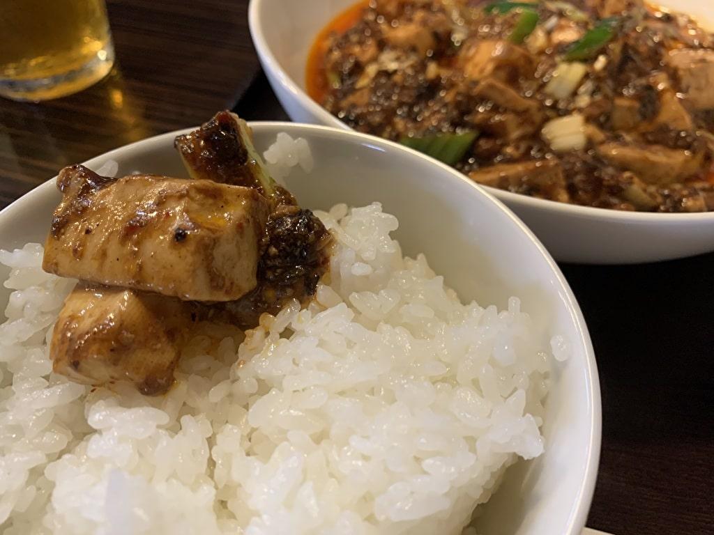 中華食堂チリレンゲの麻婆豆腐オンザライス