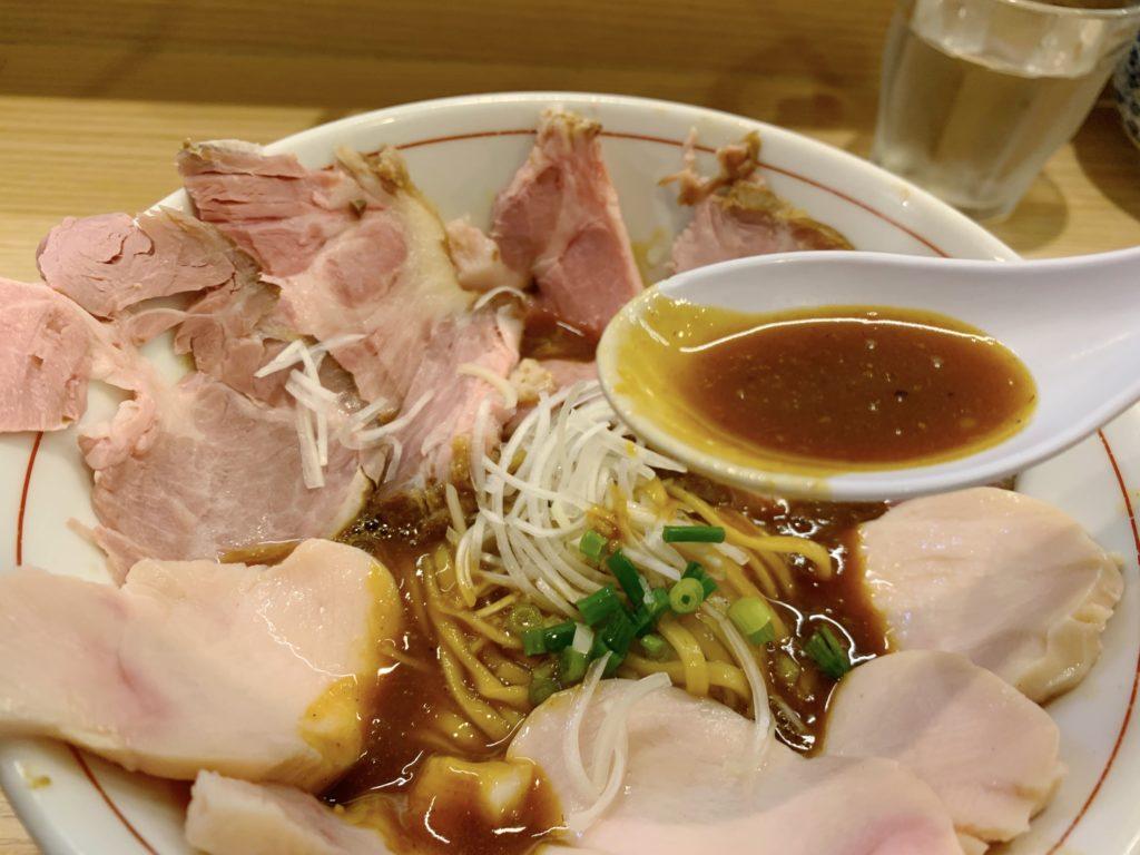 鶏谷の熟成鶏そばスープ