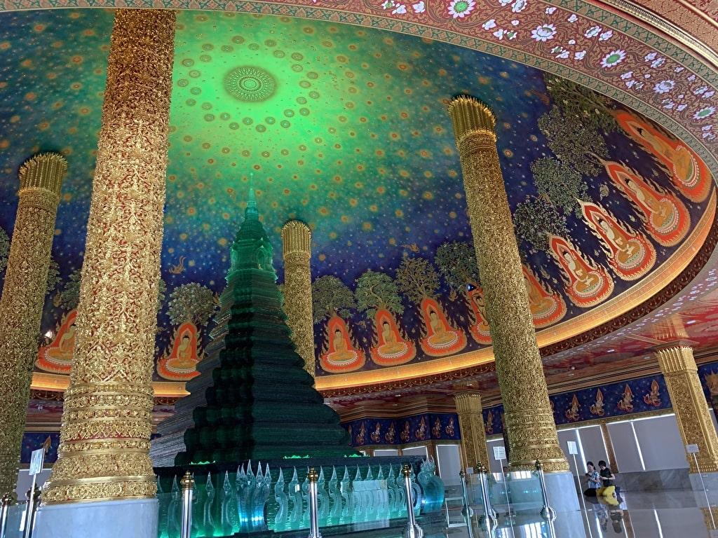 玉佛寺的翡翠大佛塔