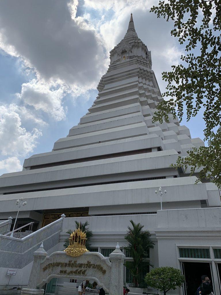 ¿Cómo llegar a Wat Pak Nam 10