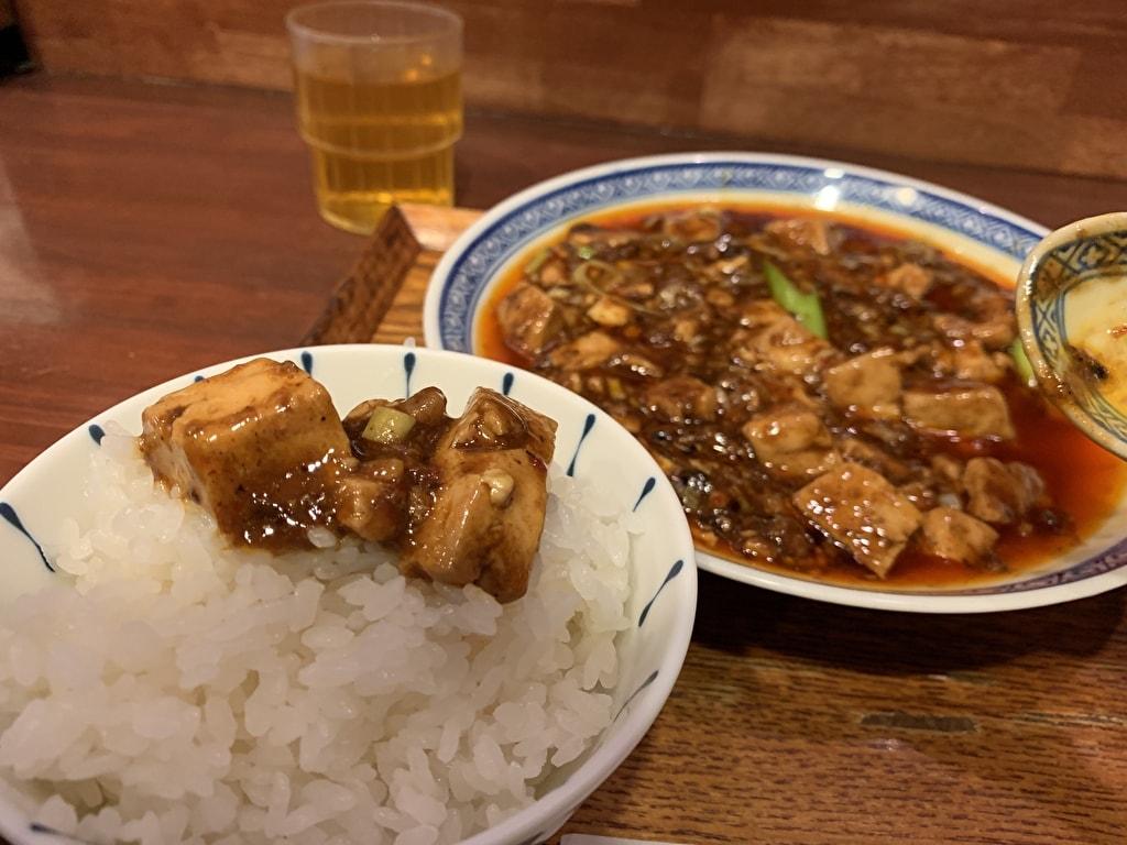 中国菜オイルの四川麻婆豆腐オンザライス