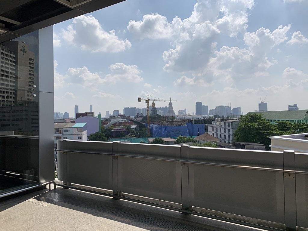 Wat Pak Nam desde la estación Bang Phai
