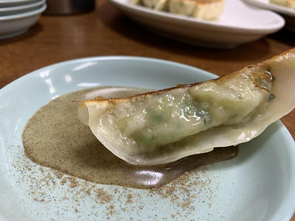 マルシン飯店 普通の餃子+酢胡椒