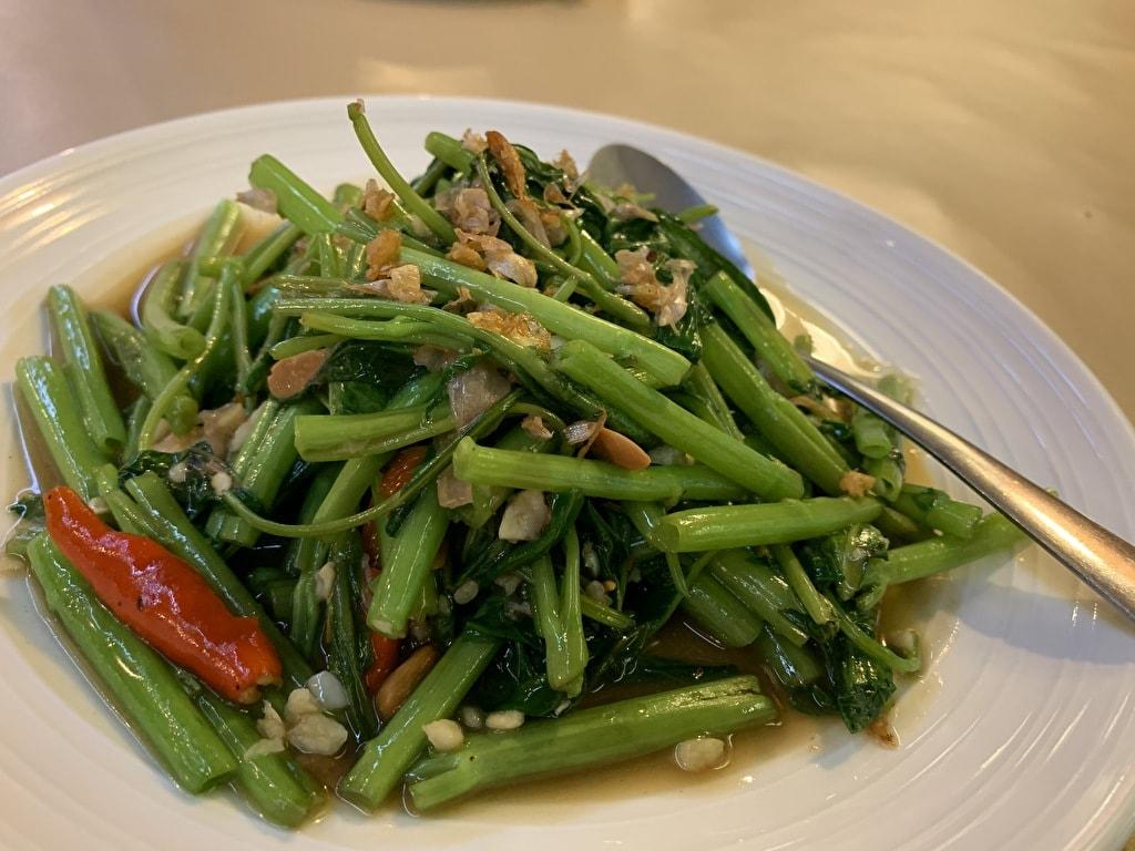 ワナカーム空心菜の炒め物