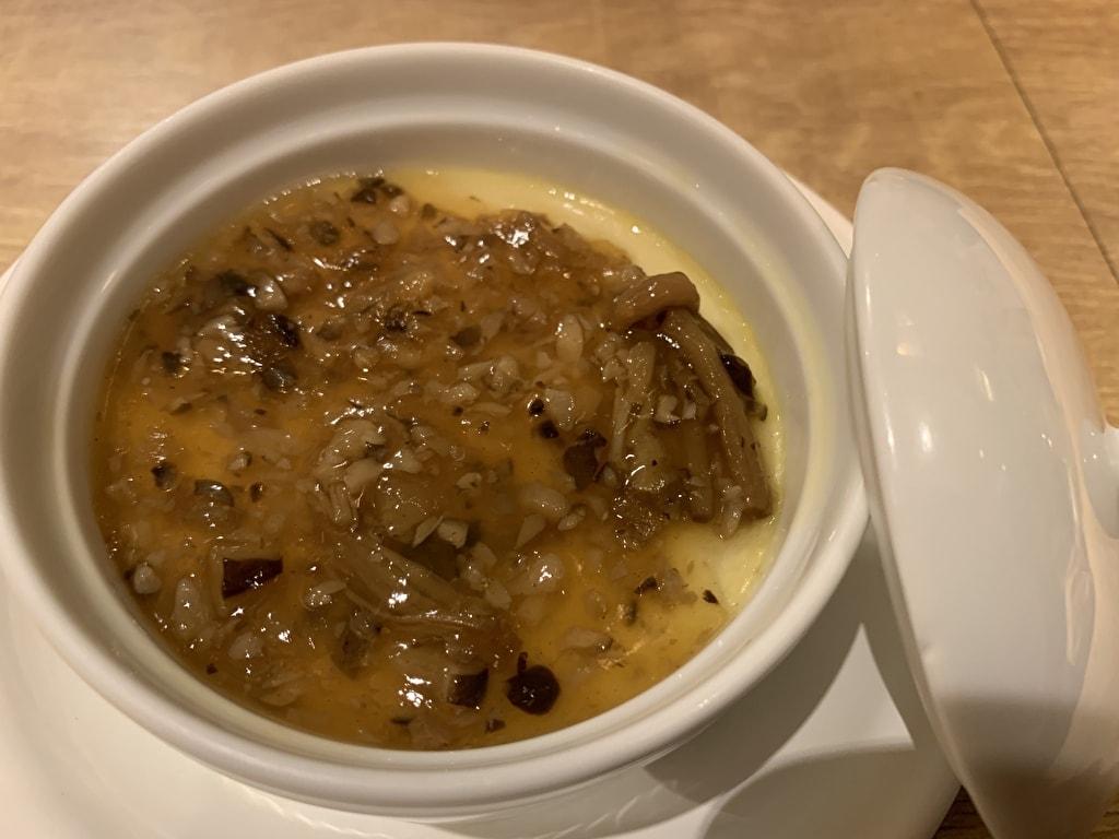 赤白新大阪店のフォアグラの茶碗蒸し色々なきのこの入った和風あんかけ