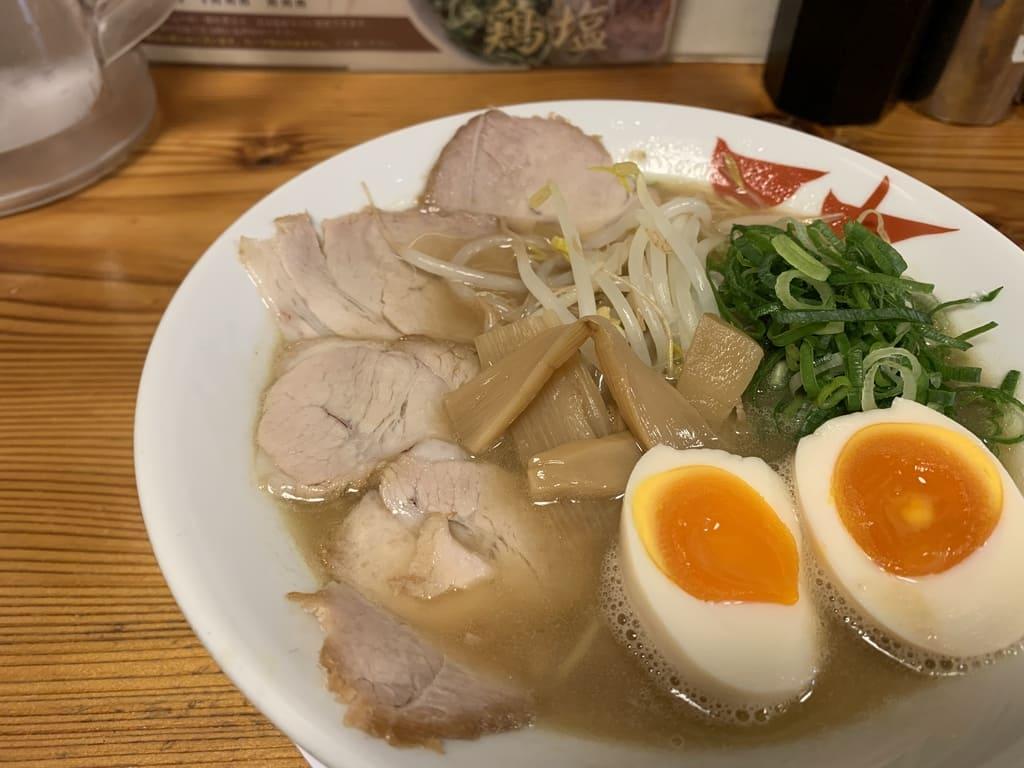 天天有祇園店の鶏白湯ラーメン