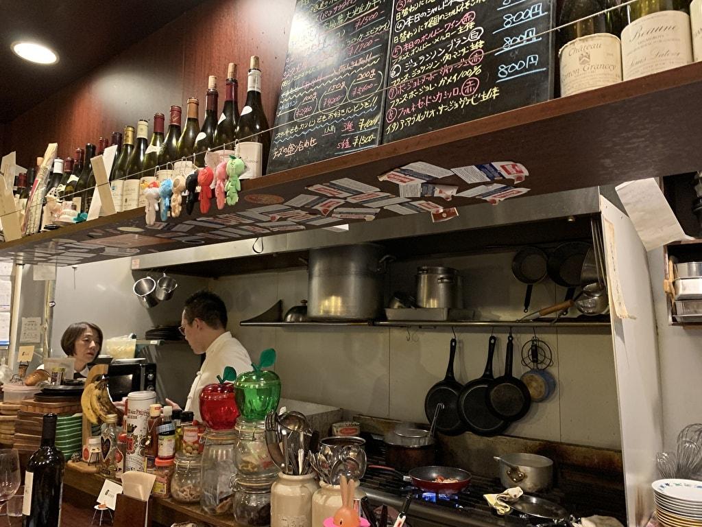 浅井食堂の厨房