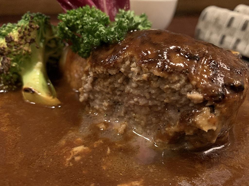 浅井食堂の肉汁