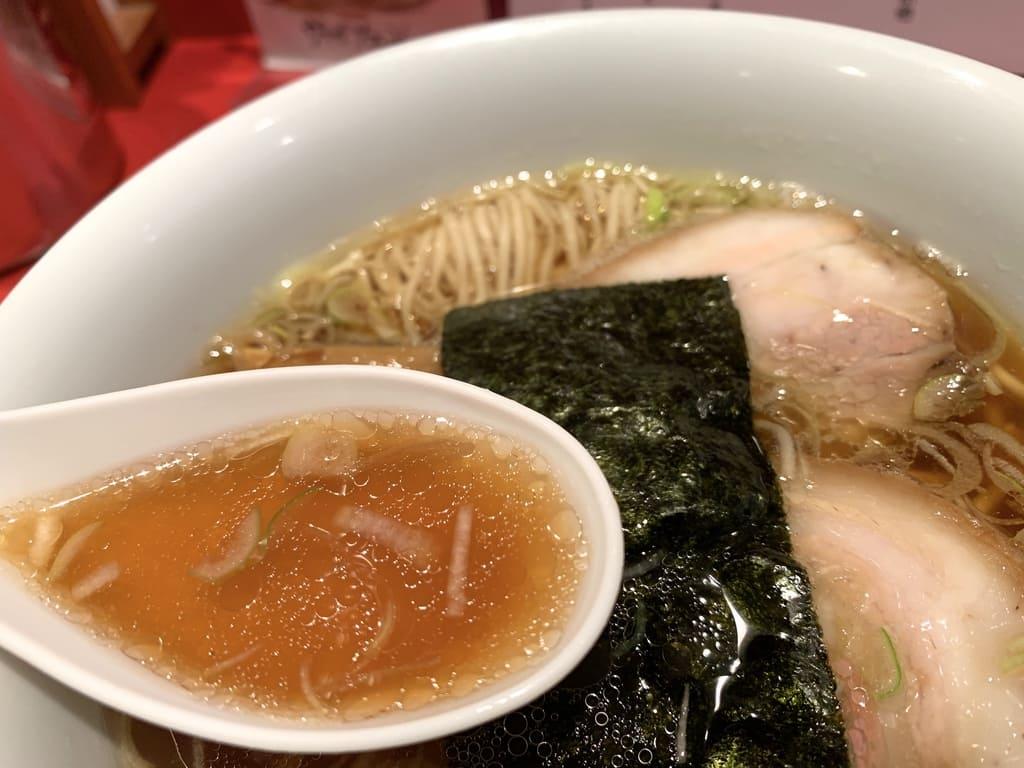 カドヤ食堂の中華そばスープ