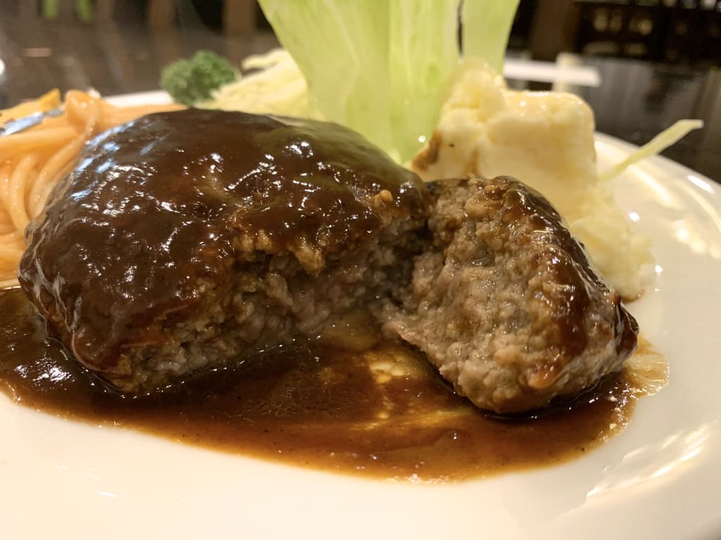 グリル小宝のハンバーグステーキ実食