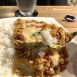 Keema curry comida real en la cámara de especias