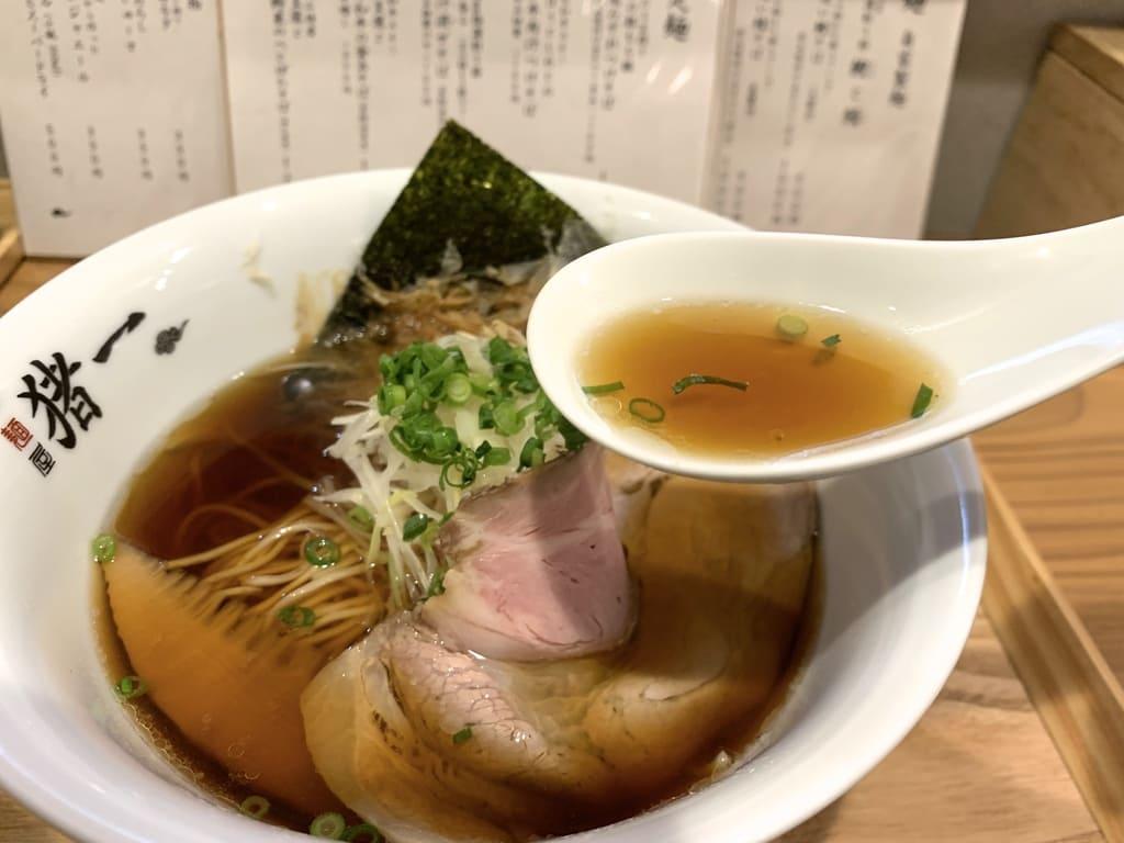 Menya Inoichi的鯖魚蕎麥麵湯