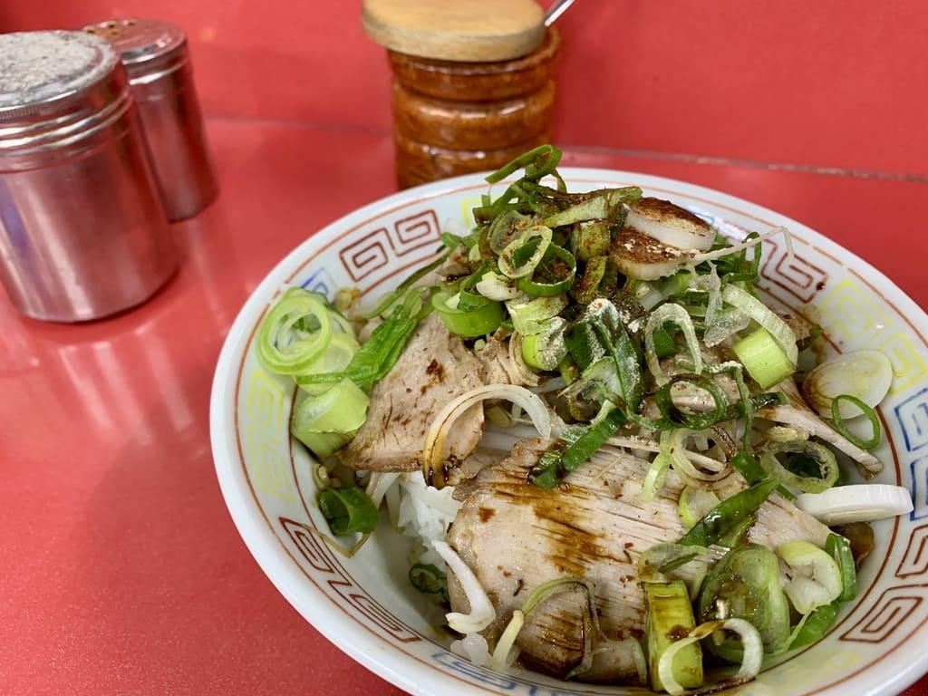 新福菜館のまかない丼