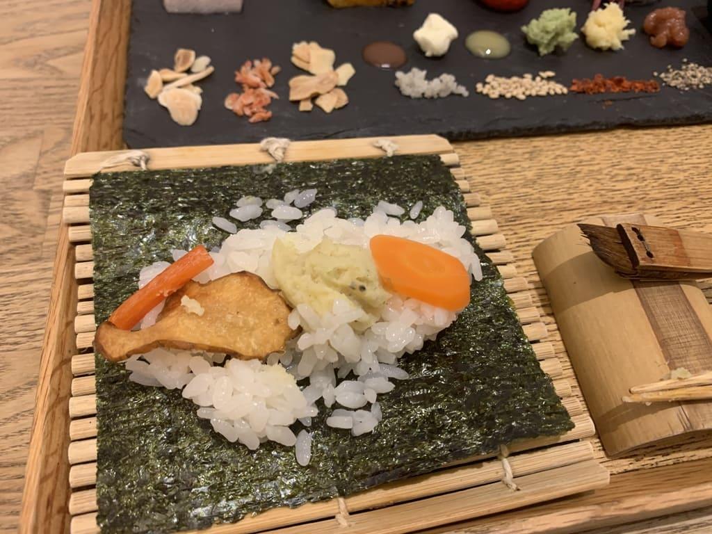 AWOMB烏丸本店の手織り寿司作り方4