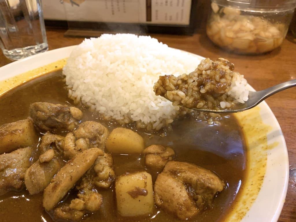 カリルのチキンカレー(辛口)実食