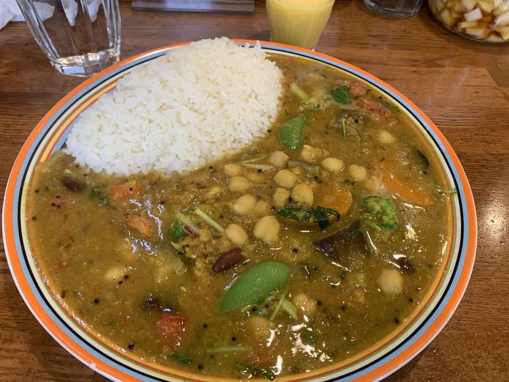 カリルの豆と野菜のカレー