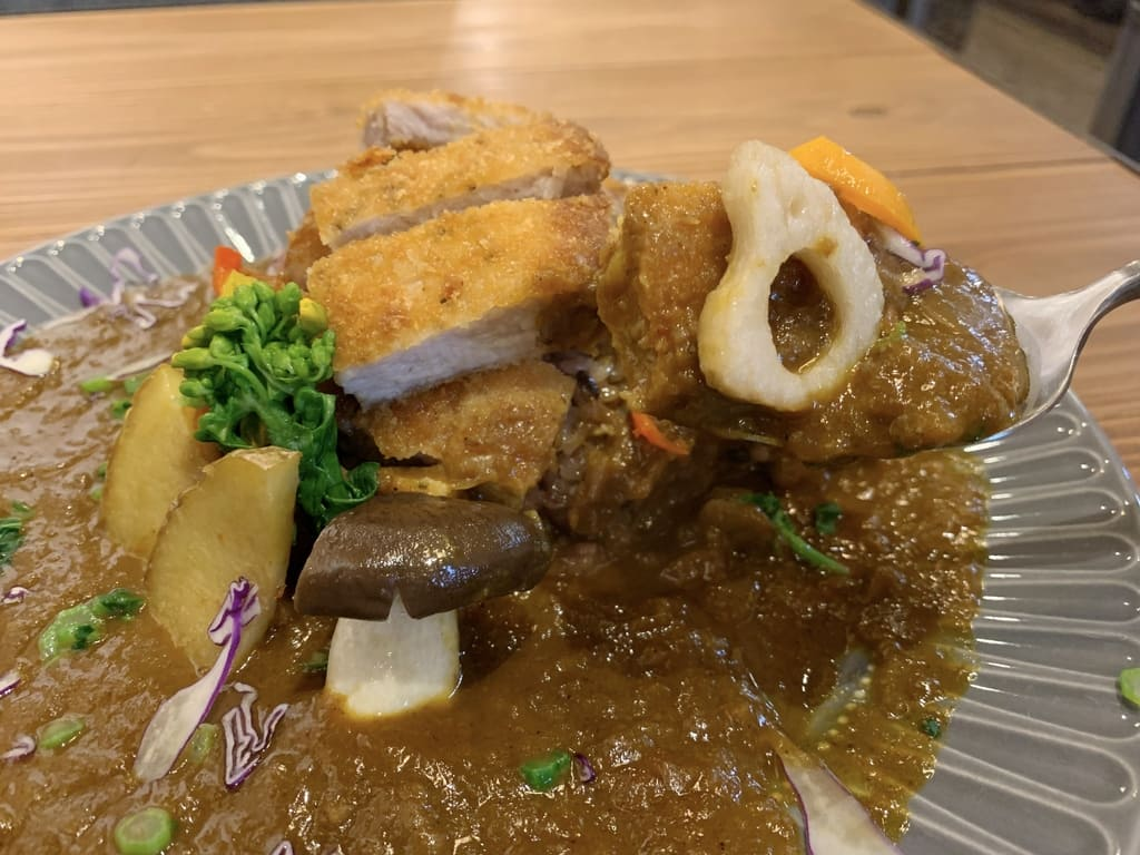 京FUJIHARUカレーのカツカレー実食2