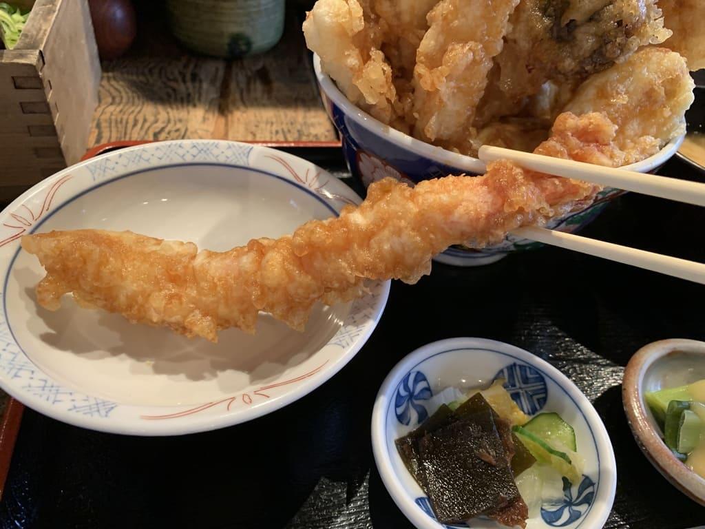 葱や平吉高瀬川店のはみ出し天丼特々上天下無双実食1