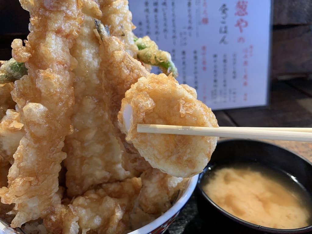 葱や平吉高瀬川店のはみ出し天丼特々上天下無双実食2
