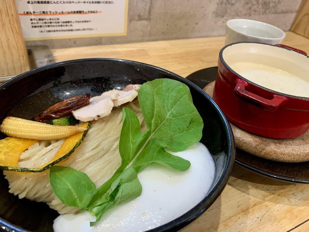 麺屋獅子丸のポルチーニ茸のつけ麺近影