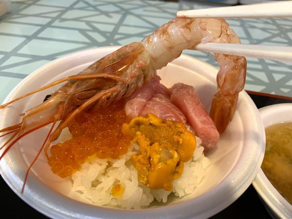 青森魚菜センターのっけ丼実食赤エビ