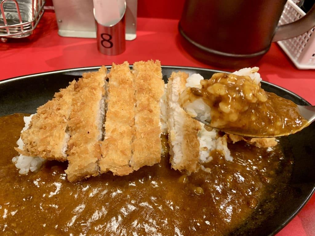 櫻家伽哩本舗のカツカレー大盛り実食