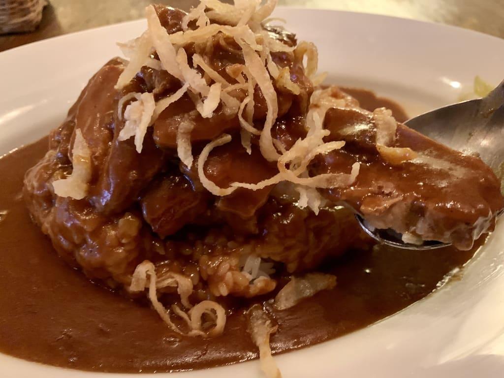 Curry irlandés Curry de cerdo irlandés Panceta de cerdo