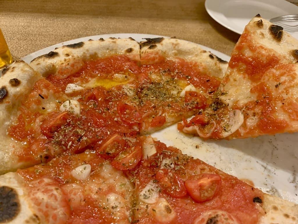 ピッツェリアVIVOのマリナーラ実食