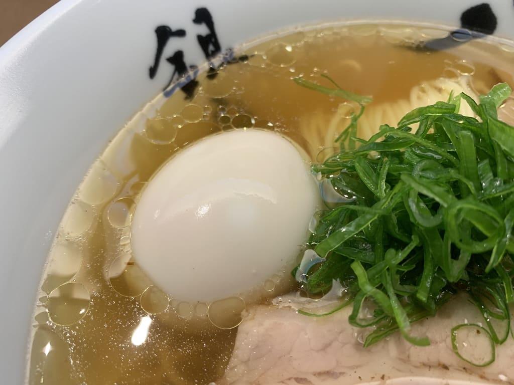 銀座八五の特製中華そば卵
