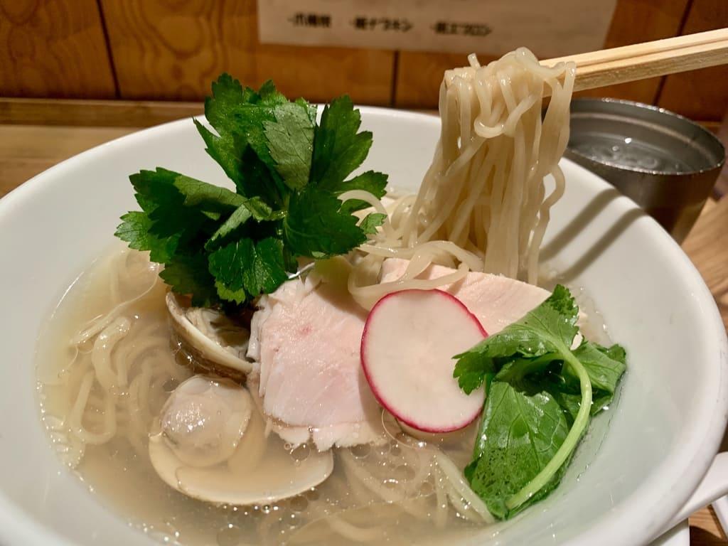 銀座 篝ルクア大阪店の蛤と牡蠣 汐soba実食