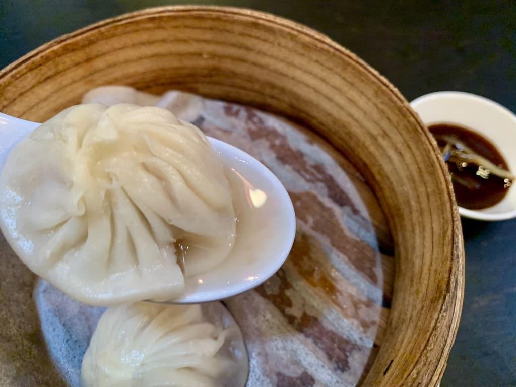 魏飯夷堂の上海小籠包実食1
