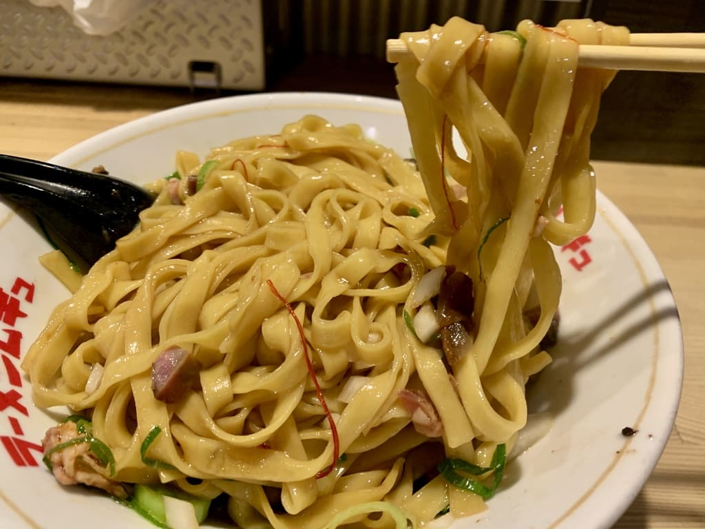 ラーメンムギュの名古屋コーチン鶏油まぜそば実食
