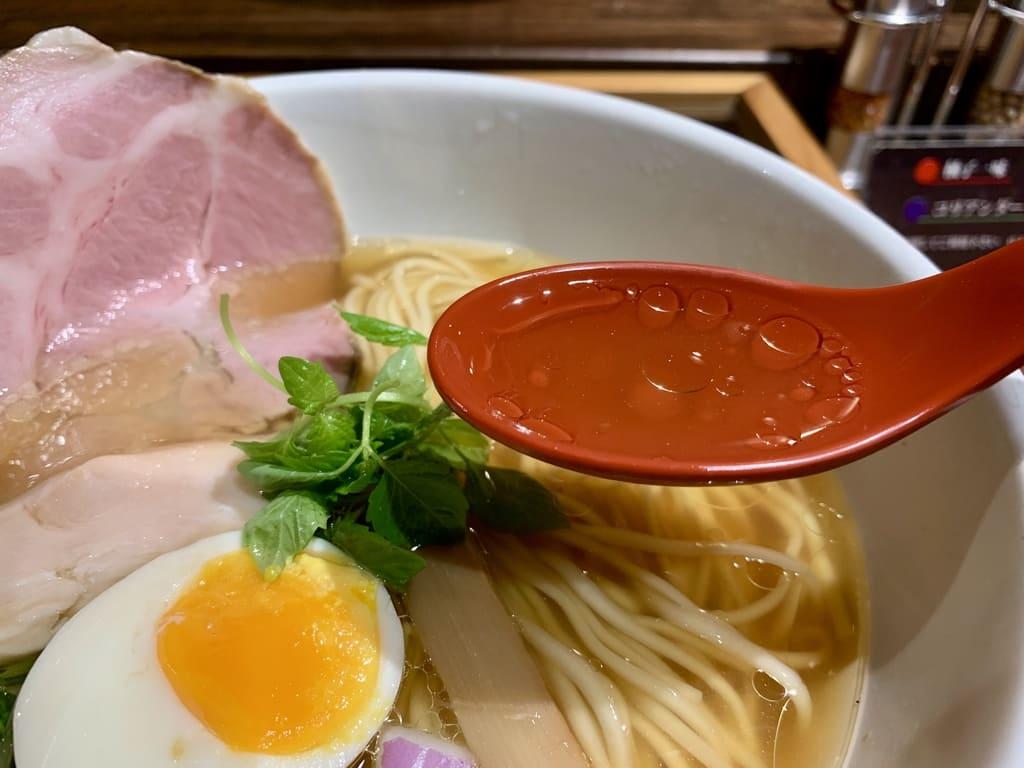 拳ラーメンの京鴨とノドグロ煮干そばスープ