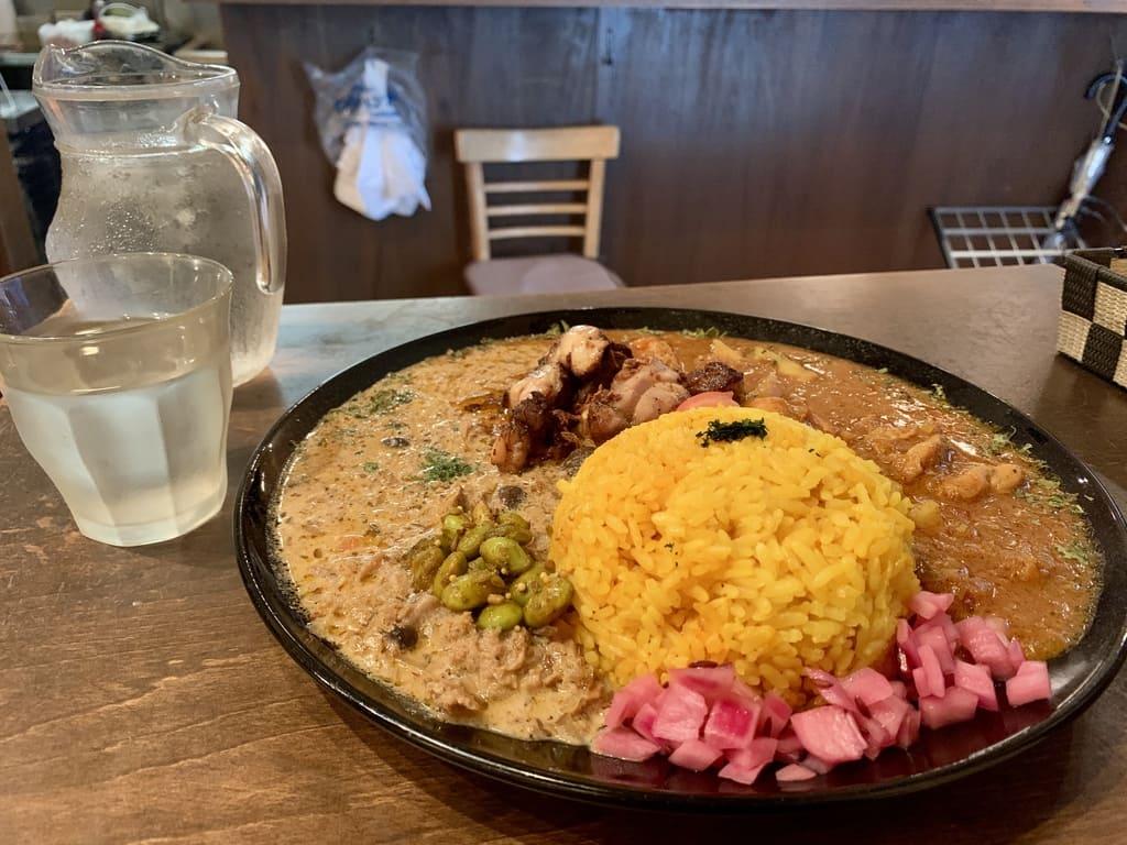 Kari Aigake di toko Chaos Spice Diner Osaka