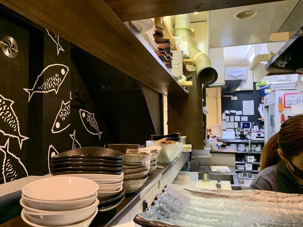 とろさば料理専門店SABAR大阪福島店店内
