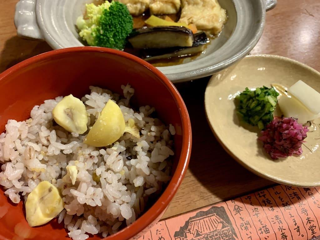 南禅寺純正のご飯と香の物