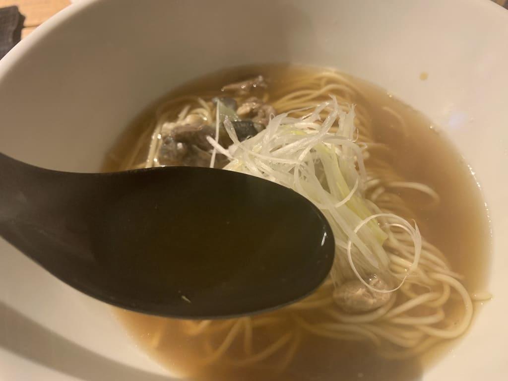 町屋のラーメン酒場Kのすっぽんラーメンスープ