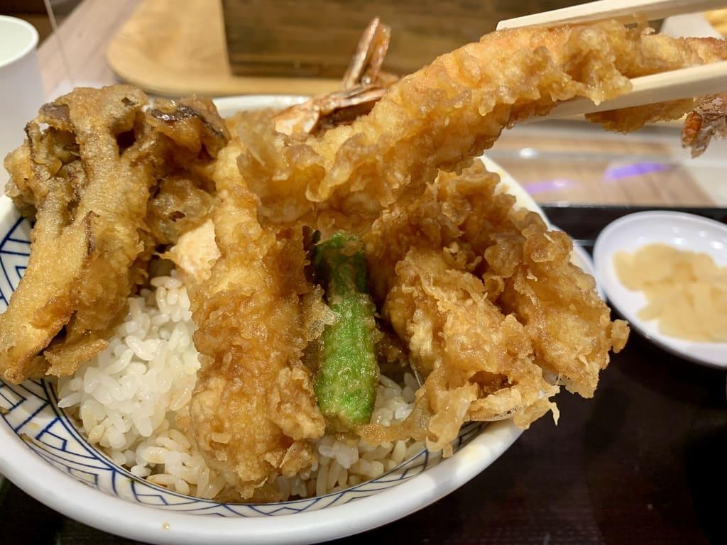 金子半之助EXPOCITY店の海老天丼実食