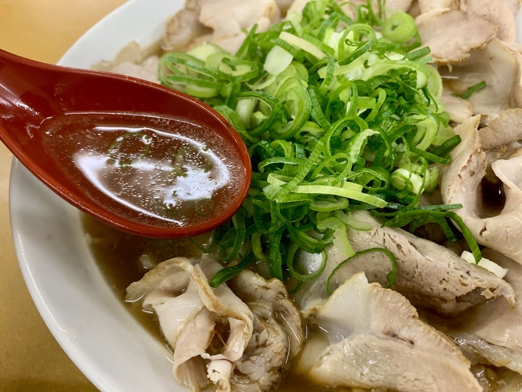 元祖ラーメン大栄のチャーシューめんスープ