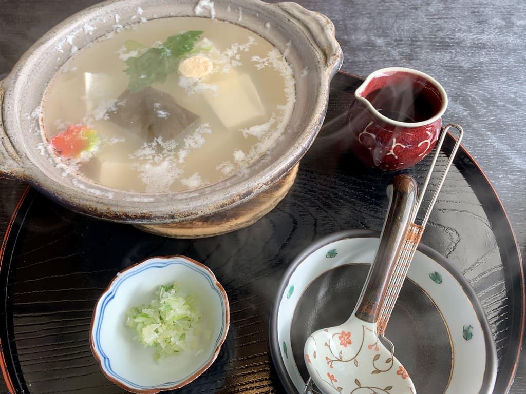 とようけ茶屋の湯豆腐