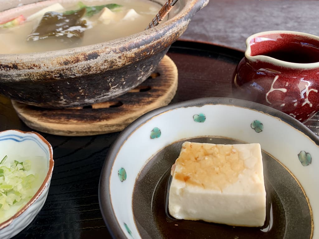 Toyouke Chayas Yudofu echtes Essen