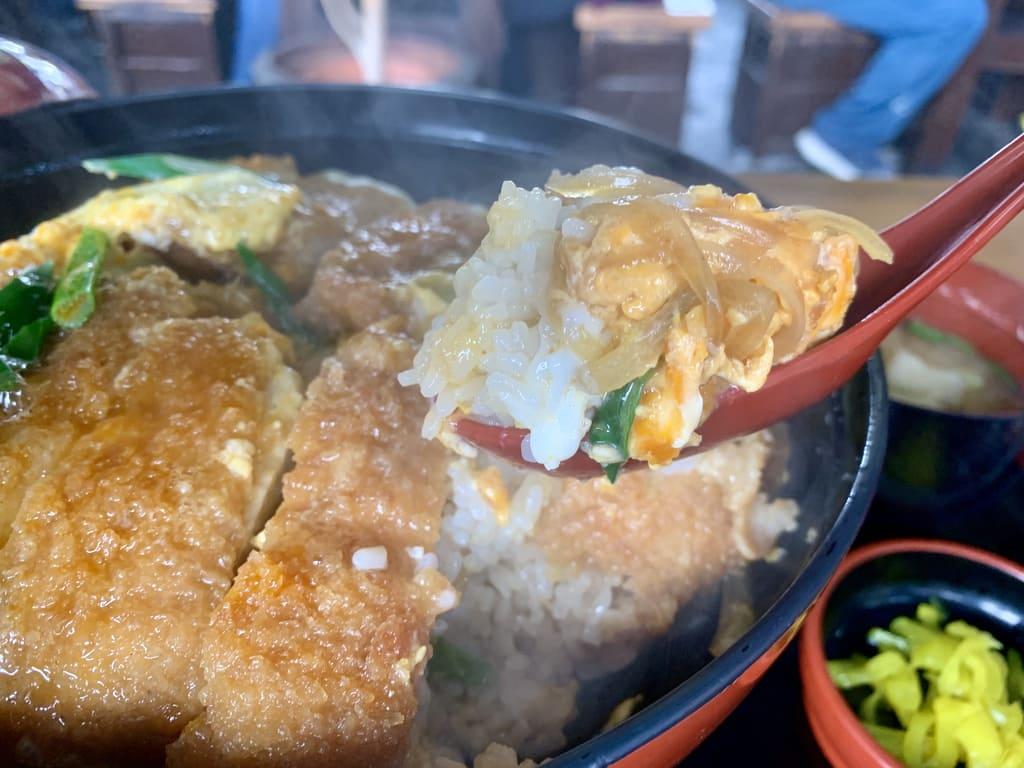国境食堂のカツ丼大実食