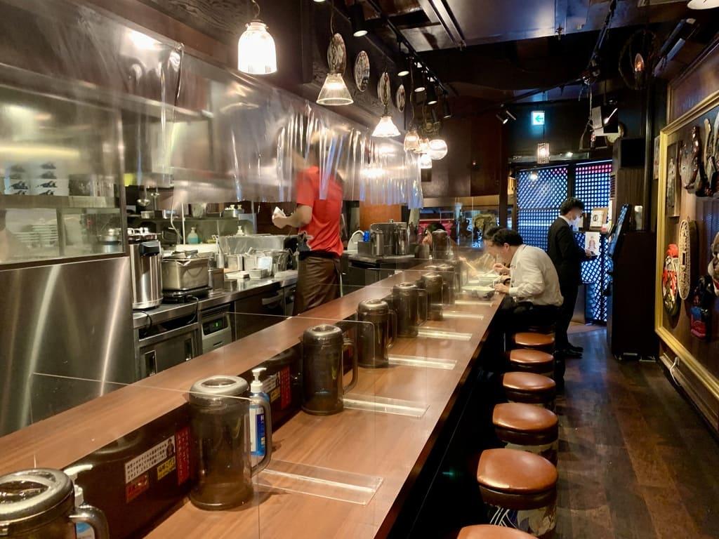 麺屋武蔵店内